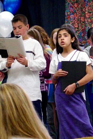 09-Children Singing 8